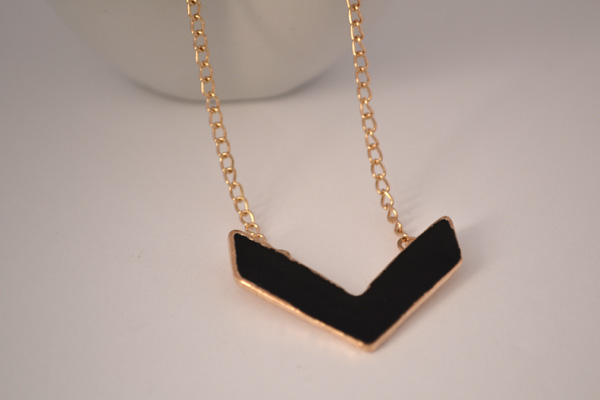 chevron-necklace