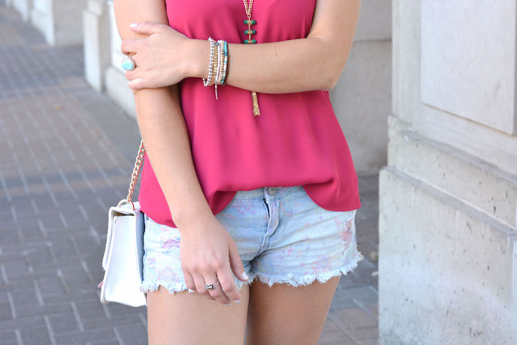 Pink cami and denim shorts, summer outfits, summer looks