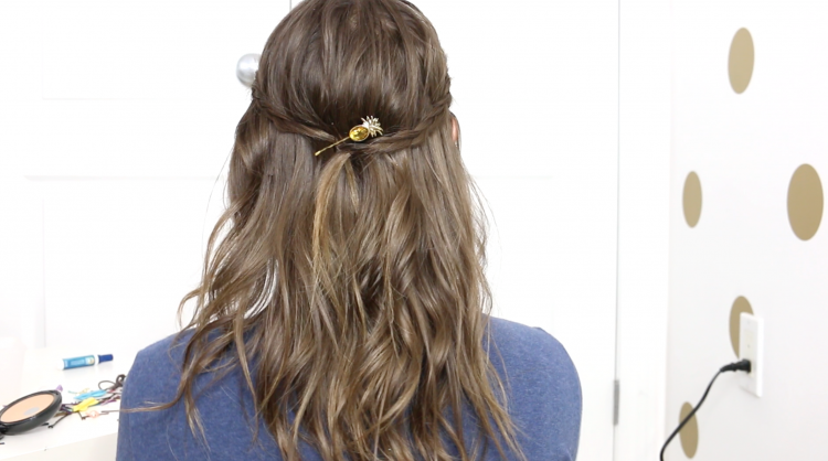 How to Curl Your Hair With a Straightener + Conair GIVEAWAY
