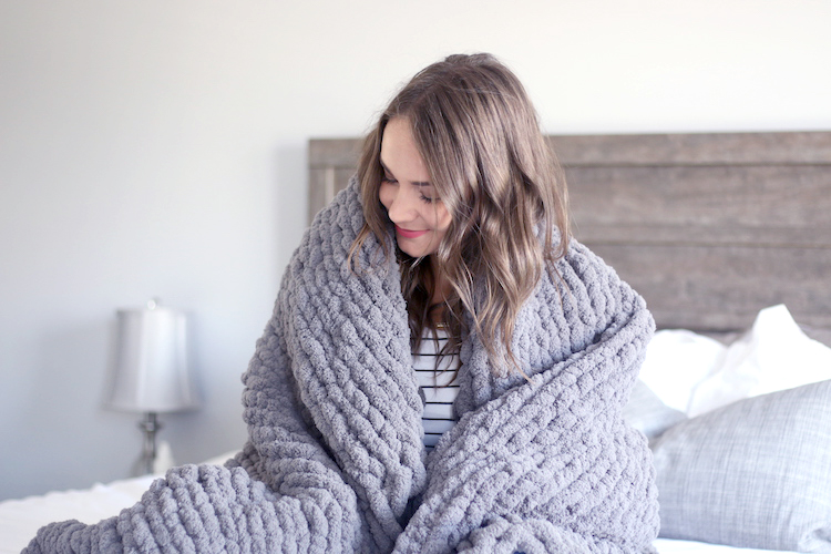 How to Hand Knit a Chunky Blanket